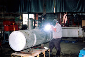 Industrial truck fuel tanks